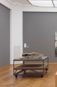 Gemeentemuseum Den Haag * Tentoonstelling: Ontdek het moderne (Gemeentemuseum Den Haag), KR1020223 * In opdr. van: Bibliotheek * Datum opname: 10-02-2014 * Zaal 1.23 * Afdeling Foto & Vorm - Alice de Groot