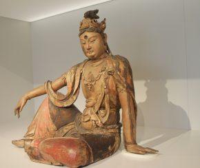 Guanyin, beschilderd en verguld wilgenhout, Noord-China, 12de eeuw